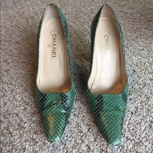 Chanel Emerald Green Python Snakeskin Heels Pumps